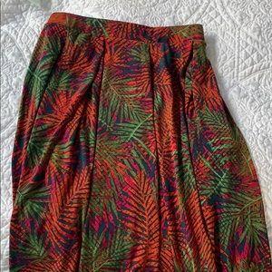 EUC- LuLaRoe small Madison skirt. With pockets!